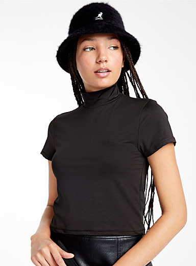 High-neck cropped tee