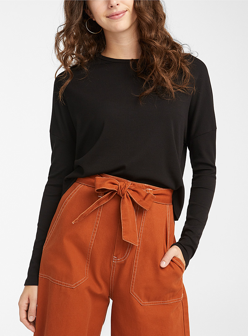 Loose cropped ribbed tee
