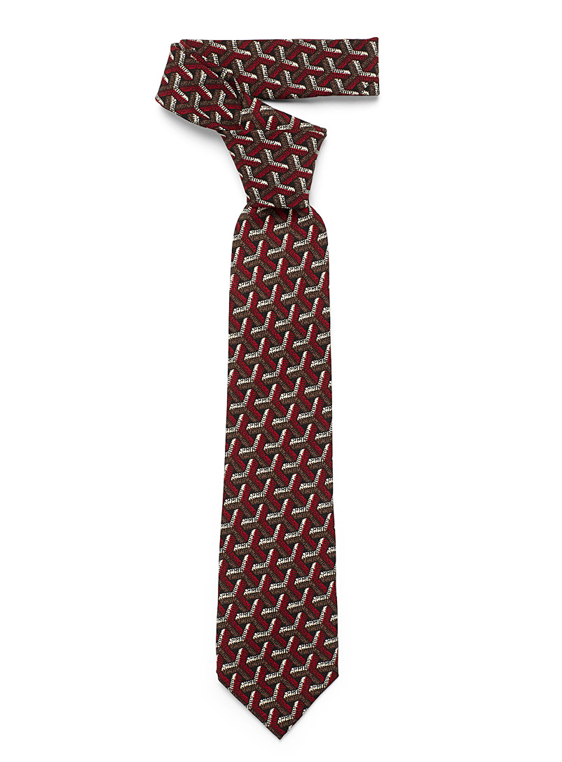 Interwoven geometry tie