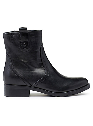 Lined urban boots