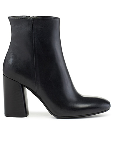 Retro-heel leather boots