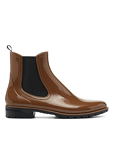Brown polished Chelsea boots