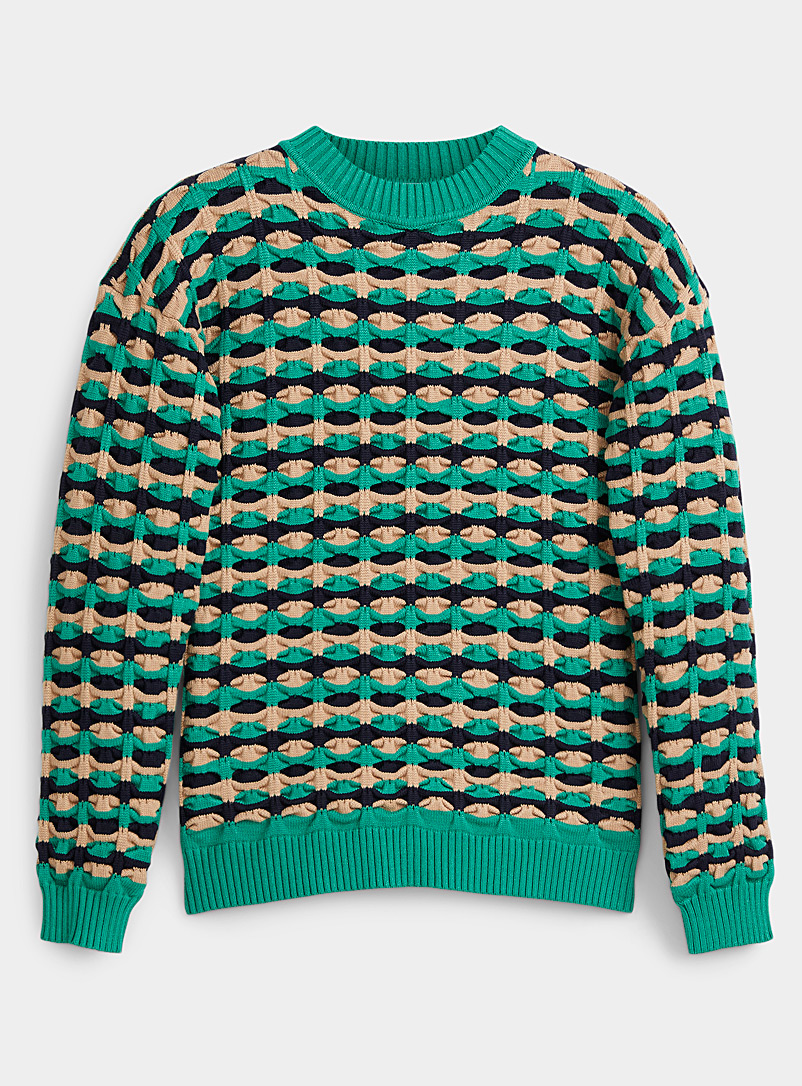 3D knit sweater