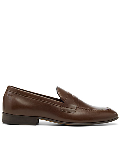 Minimalist leather loafers <br>Men