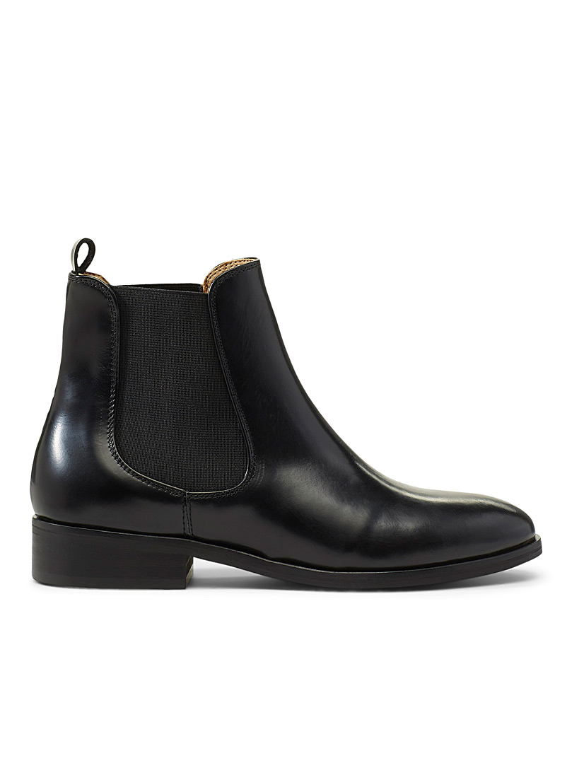 leather-chelsea-boots