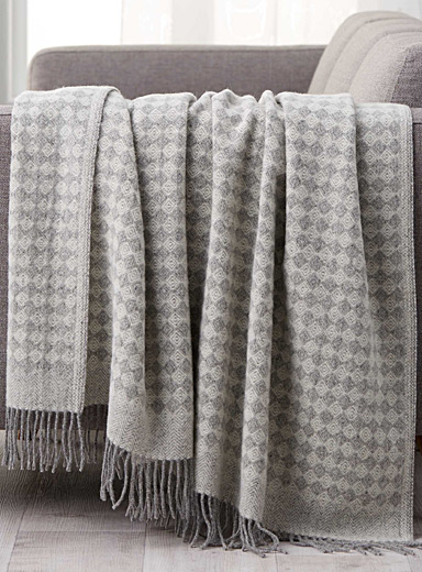 Grey diamond pure wool throw <br>140 x 200 cm