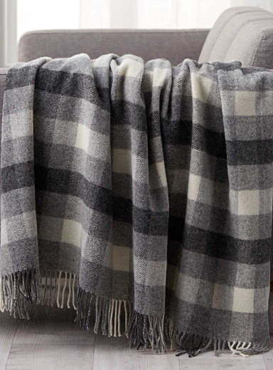 Hunter check pure wool throw  140 x 200 cm