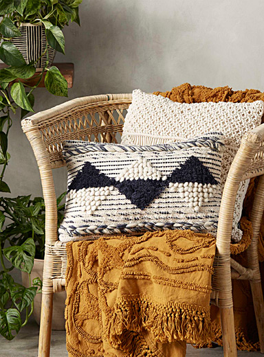 Geometric wool cushion <br>12
