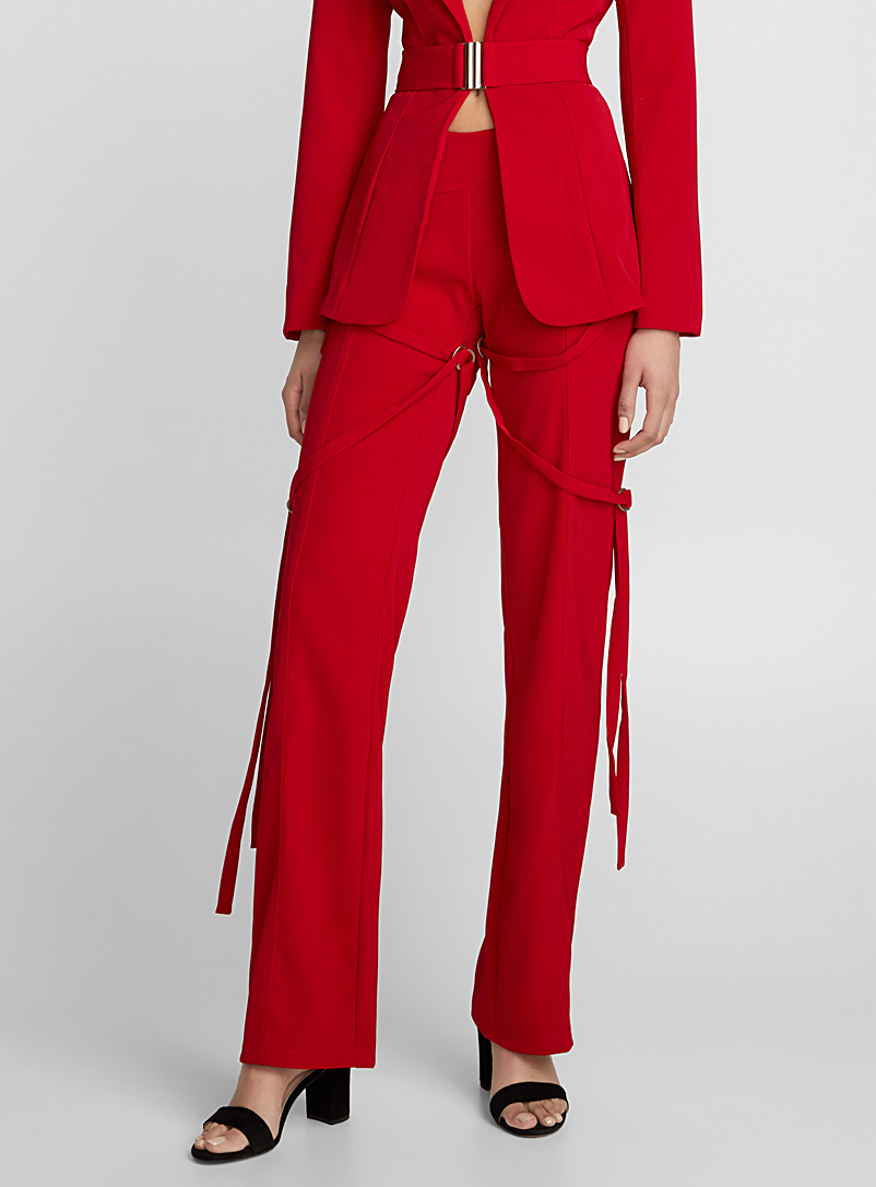 synopsis-red-pant