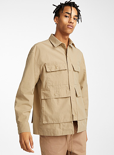 Multi-pocket utility shirt