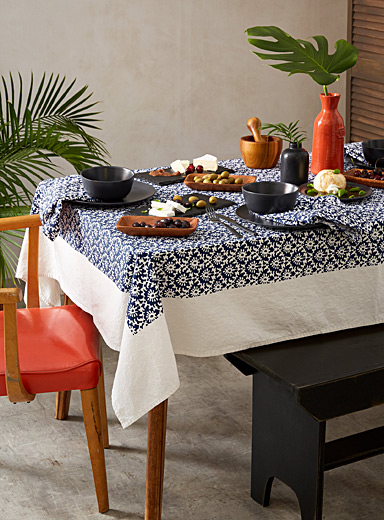 Blue pottery woven cotton tablecloth