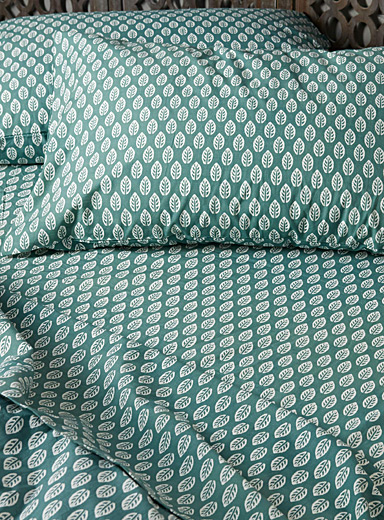 Green foliage sheet set, 200 thread count <br>Fits mattresses up to 15 in.