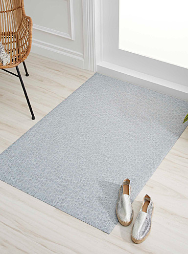 Blue diamond non-skid rug  90 x 130 cm