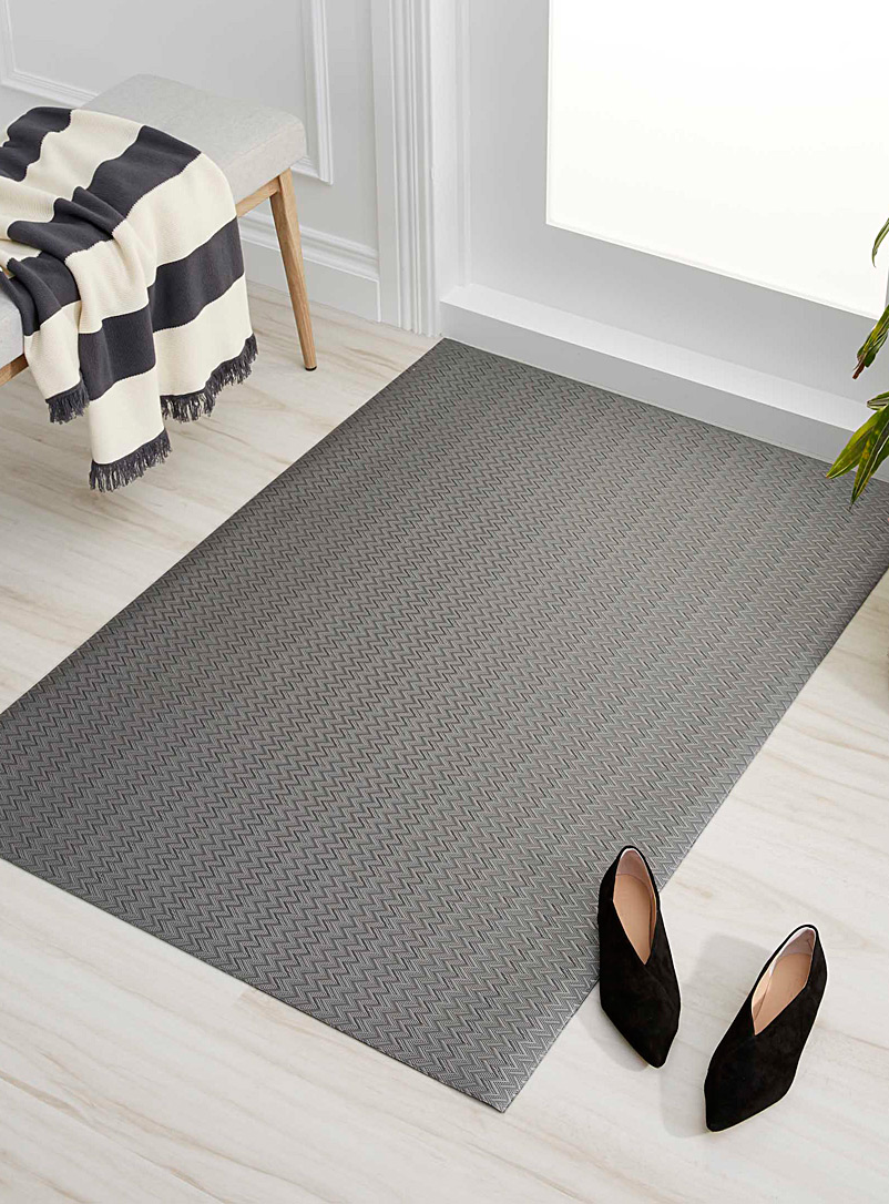 Charcoal grey chevron non-slip mat  90 x 130 cm - Small Rugs - Patterned Grey