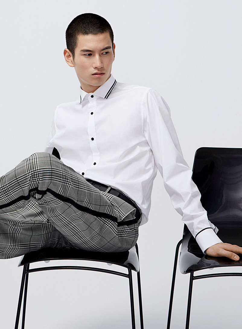 Athletic trim white shirt  Semi-tailored fit - Long sleeves - White