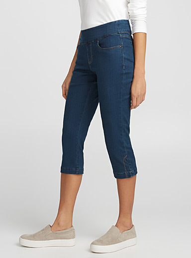 Stretch pull-on capris