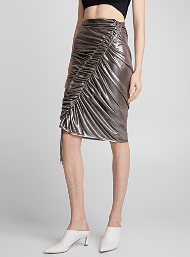 Mercury metal skirt