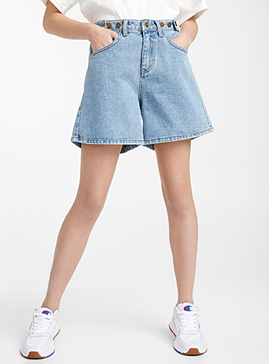 Blue denim boyfriend short
