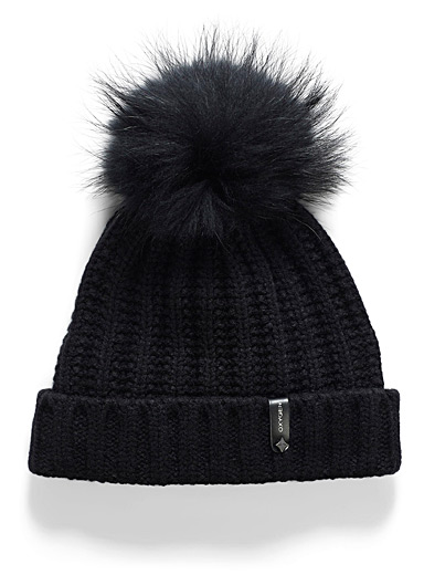 Pompom cuffed tuque