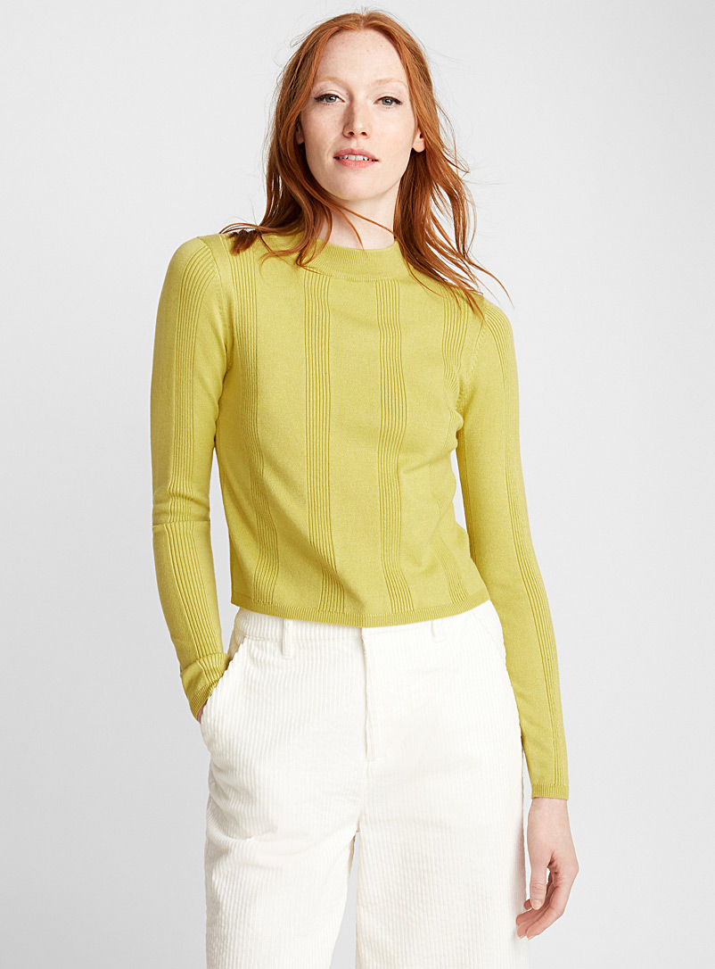 le-pull-col-montant-rayures-cotelees