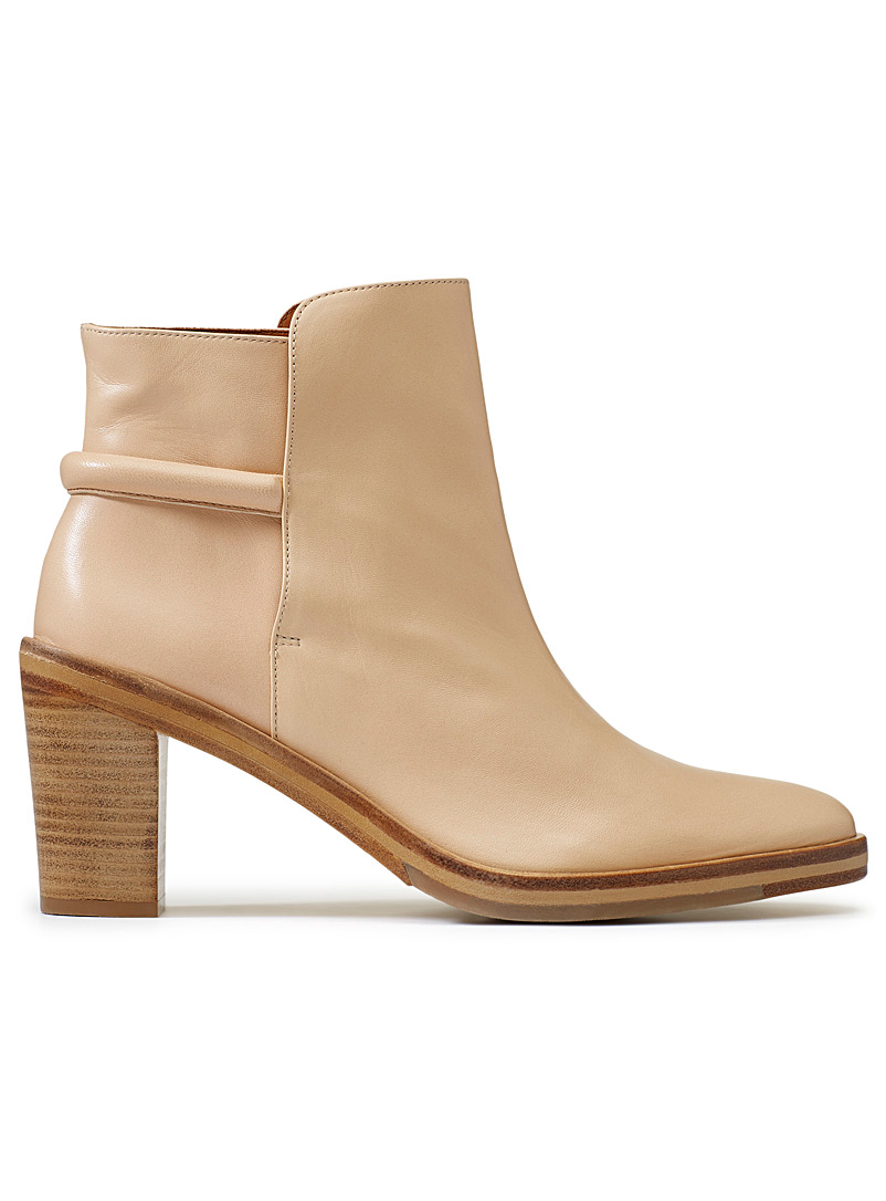 mila-heeled-boot