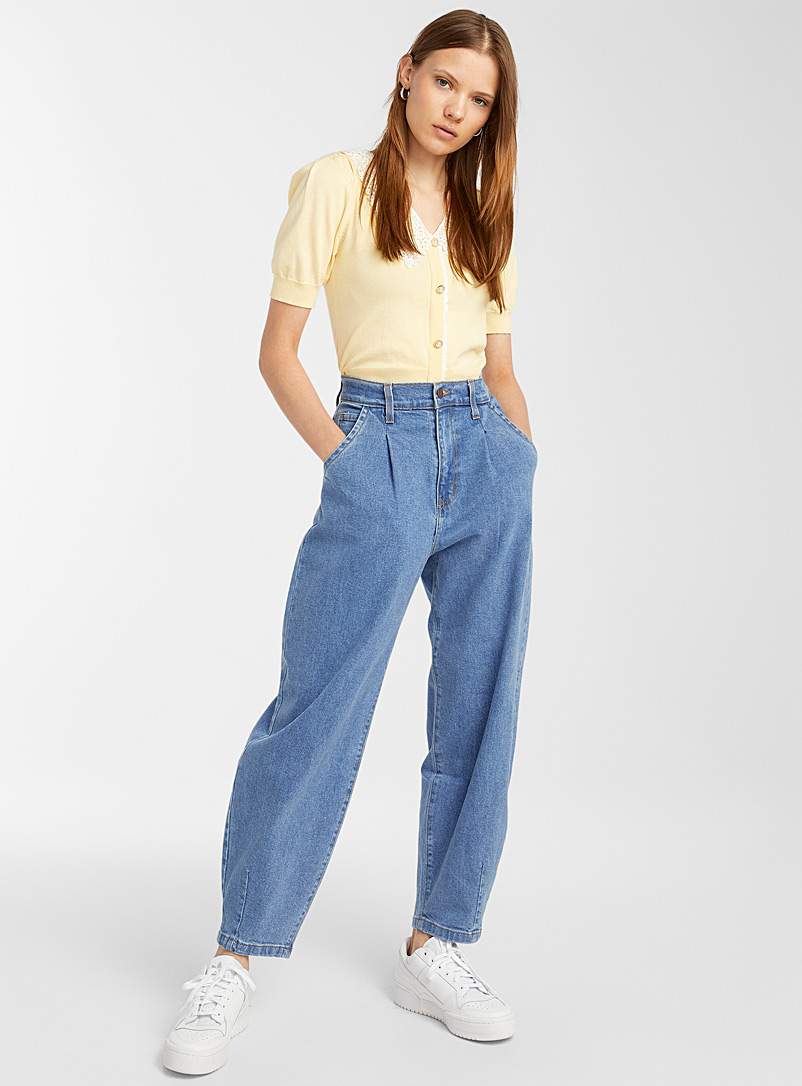 Accent pleat baggy jean