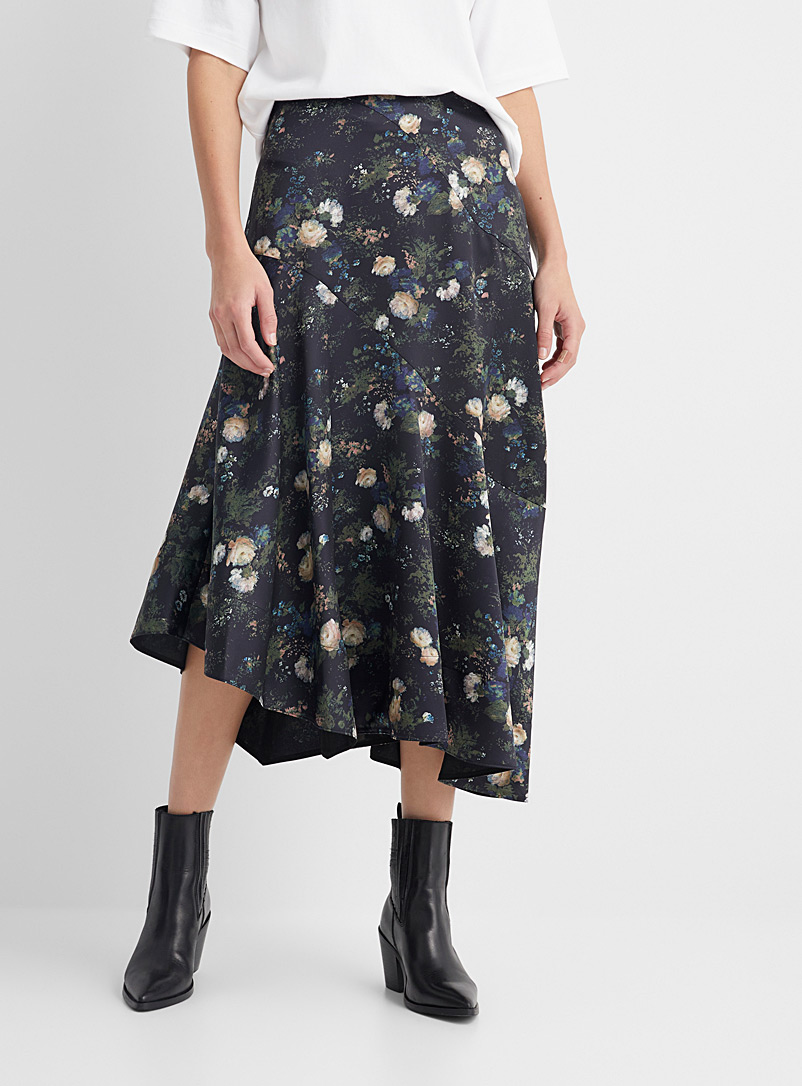 Vince Patterned Black Rose Field skirt for women