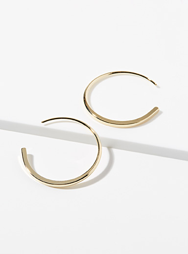 Metallic crescent hoops