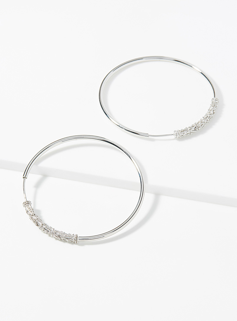 Textured accent hoops - Earrings