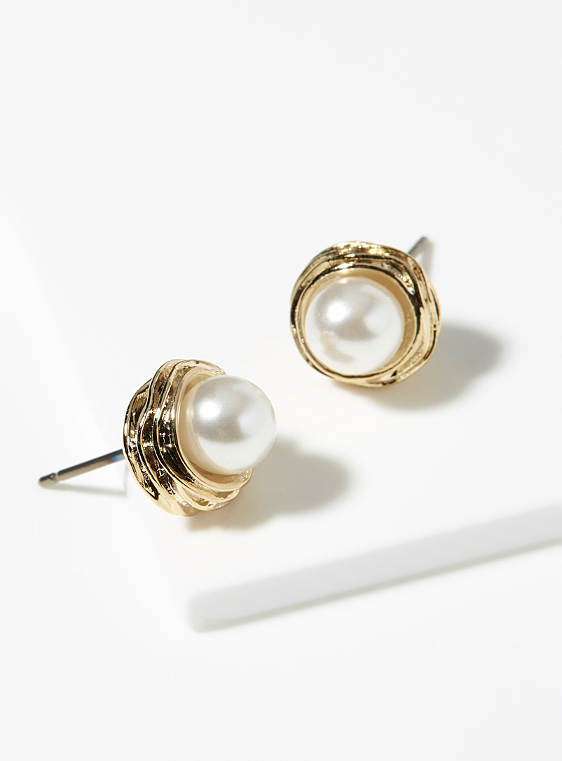 classic-pearl-earrings