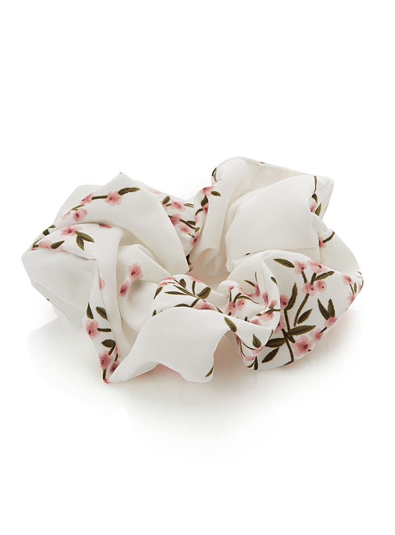 Soft flowers scrunchie - Scrunchies - Patterned White