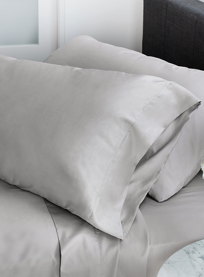 egyptian-cotton-and-bamboo-pillowcase-set-330-thread-count