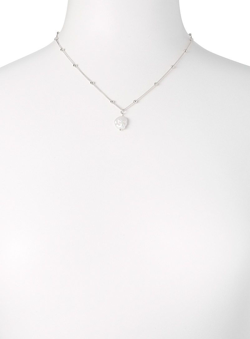 Simons Assorted white  Trendy pearl pendant necklace for women