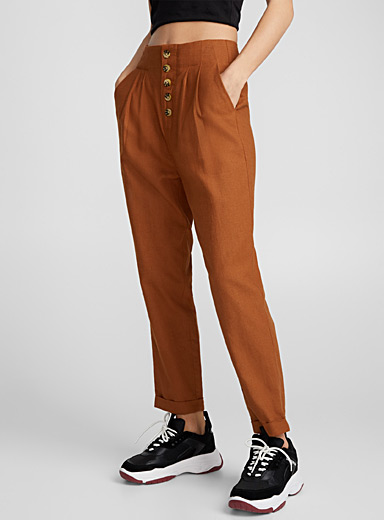 Buttoned straight pant