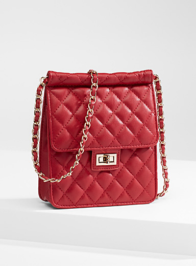 Chain shoulder strap quilted bag