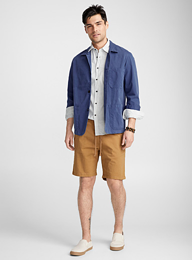 Jacket-style overshirt <br>Semi-tailored fit