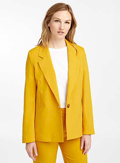 Sincerely fluid yellow jacket