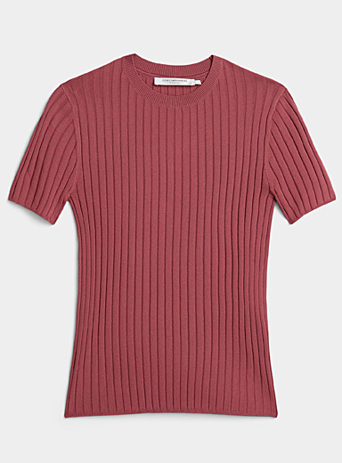 Ribbed short-sleeve fitted sweater