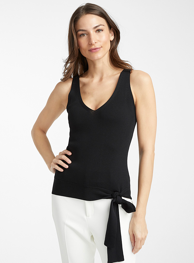 la-camisole-cotelee-taille-nouee