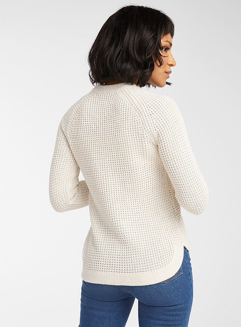 Icône Cream Beige Rounded waffle sweater for women