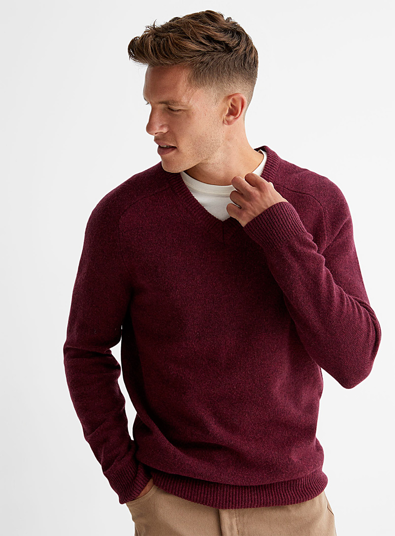 Le 31 Ruby Red V-neck lambswool sweater for men