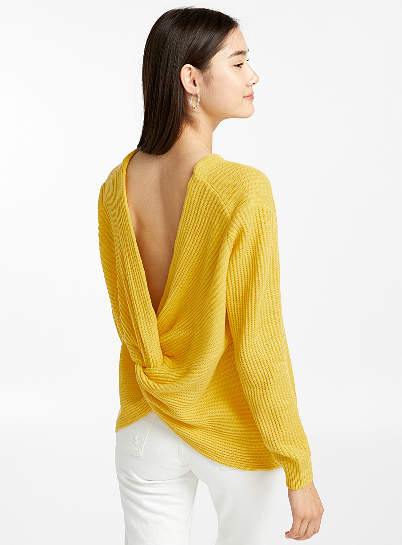 Le pull dos noué - Pulls - Jaune or