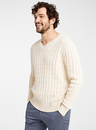 Le 31 Cream Beige Twisted cable V-neck sweater for men
