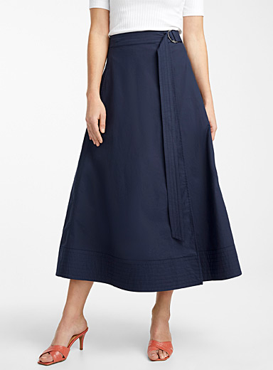 Topstitched trim poplin skirt
