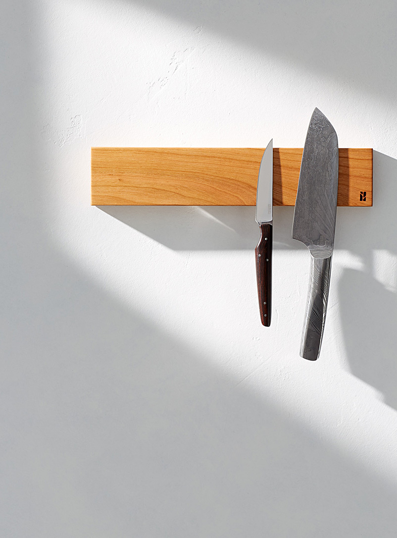 short-magnetic-knife-holder-with-balm