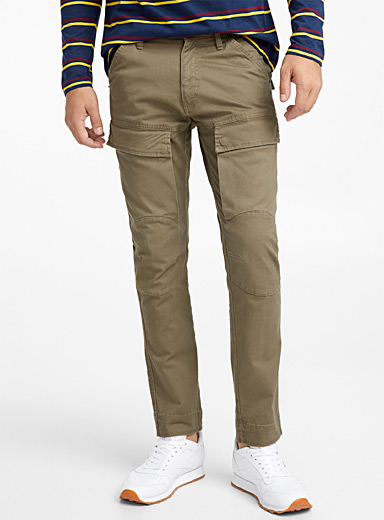 Chinos-like utility cargo jean <br>Slim fit