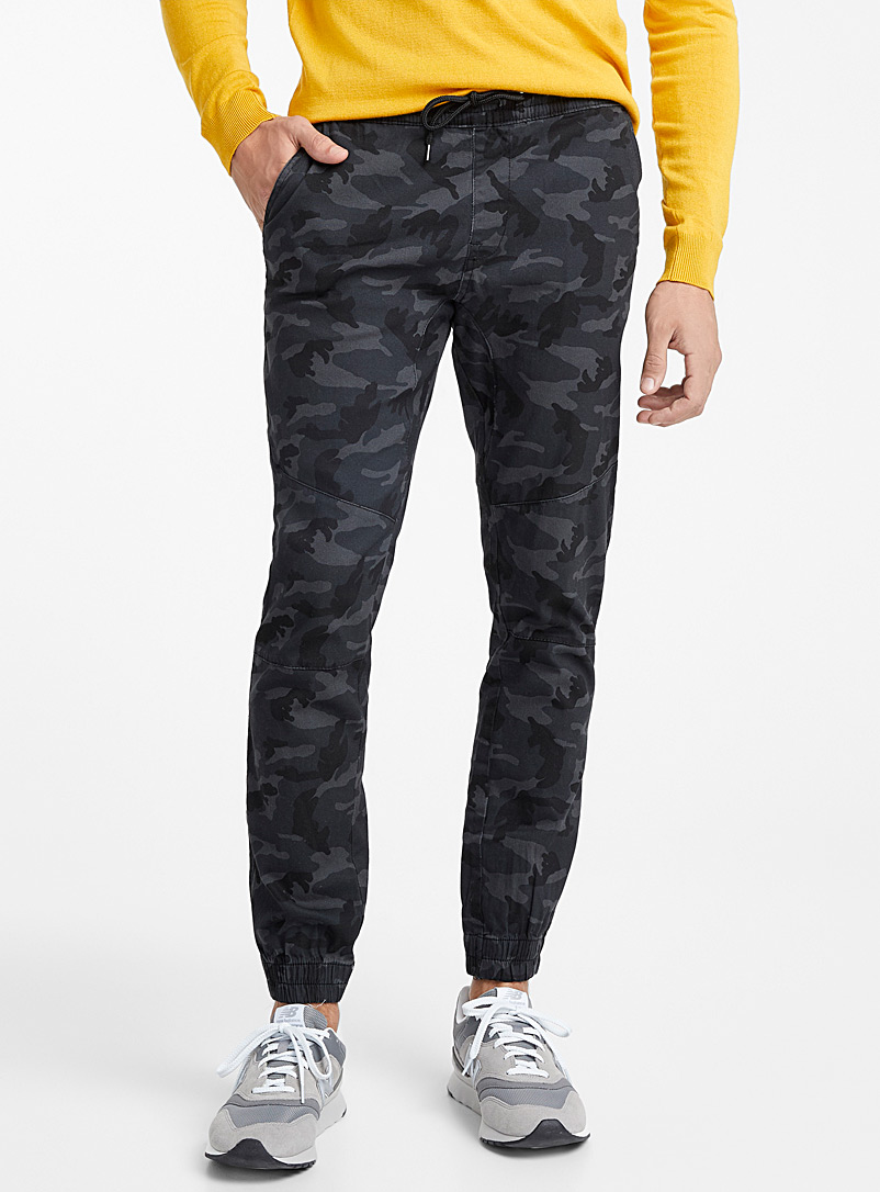 Rumors Patterned Black Dark camo joggers for men