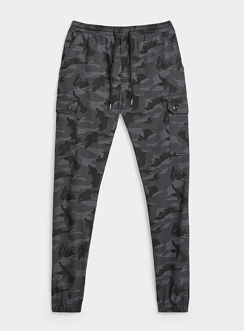 Le chino jogger cargo camouflage obscur