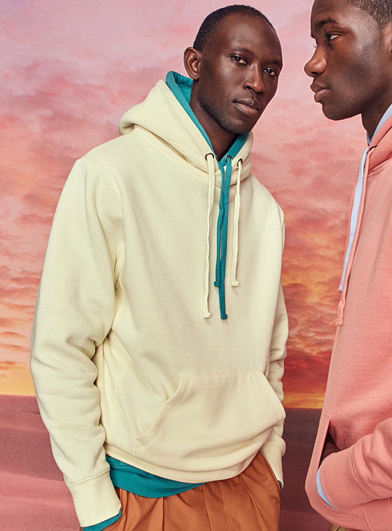 le-sweat-kangourou-couleurs