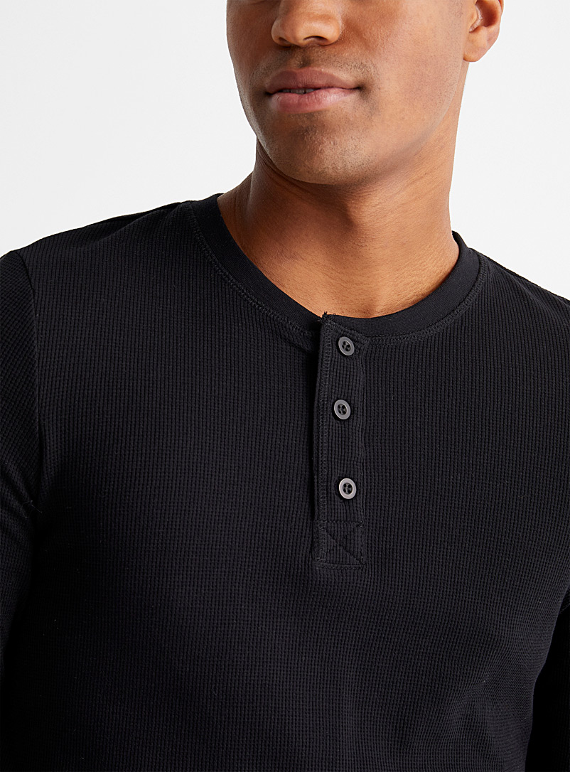 Le 31 Black Buttoned-neck waffle T-shirt for men